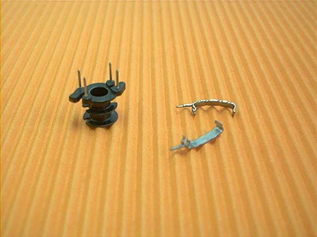 RM 4 Spulenkörper, 4-polig, 2 Kammern